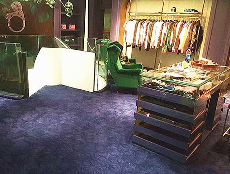 服装珠宝展厅